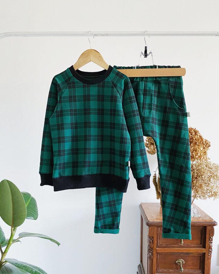 Languotas žalias džemperis