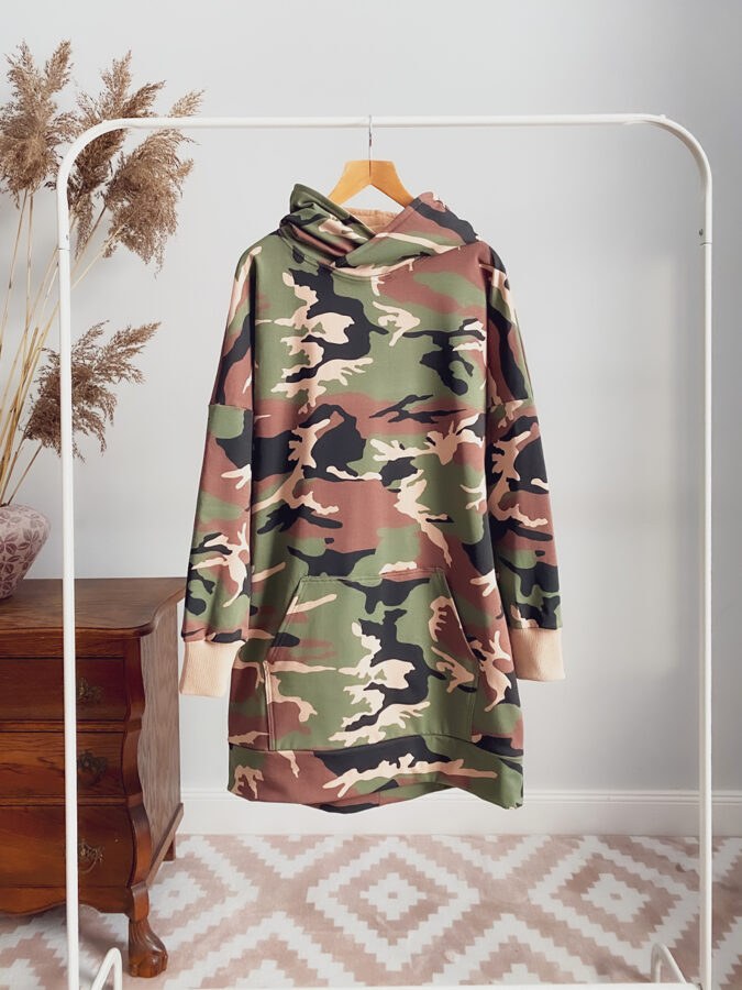 moteriškas džemperis suknelė kamufliažinė